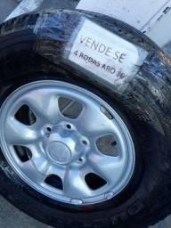 Vendo 4 pneus  aro 16 De Hilux .Ano 2009