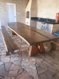 Vendo mesa de madeira com medidas de 360x110 mm e 6 mm de espessura