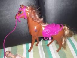 Cavalo da barbie e e barbie