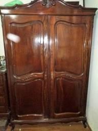 Armario 2 portas antigo de madeira  reliquia