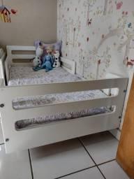 cama montessoriana branca
