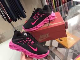 Tênis Nike rosa, super confortável e estiloso!!