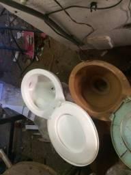 armário de banheiro espia vasos sanitários