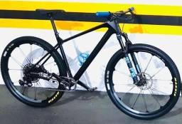Vendo MTB Focus Raven Carbono