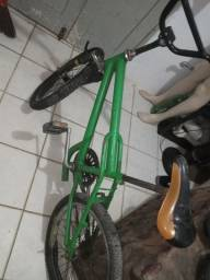 Título do anúncio: Bike cros de pulo .