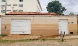 Casa no bairro do Tanque, 03 quartos