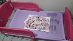 Cama  da MinnieE e Mouse    plastico com ferro Childrem para menina apartir de 2 anos.