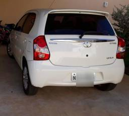 Etios Hatch XLS - 2013