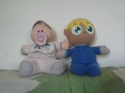 Lote com dois bonecos para coleção
