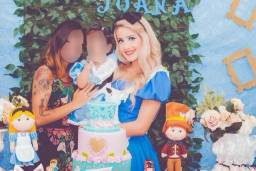 Alice no País das Maravilhas - Personagem Vivo