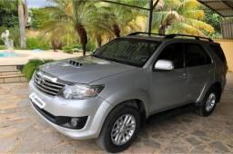Toyota Hilux SW4 SRV 4x4 - 2013