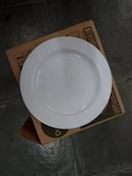 Pratos para restaurante Kilo