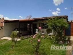 Casa à venda, 3 quartos, 1 vaga, Daniel Fonseca - Uberlândia/MG