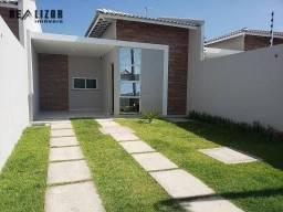 Casa com 3 dormitórios, sendo 1 suíte, quintal e vaga para até 3 carros à venda, 83 m² por