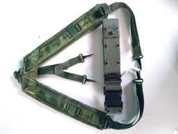 Cinto e suspensório militar americano