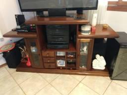 Conjunto de sofá, mesa de centro e um rack para tv, madeira maciça e super conservados!