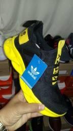 Adidas Yeezy Maverick novo na caixa