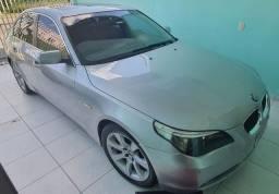 BMW 550i em estado de nova!