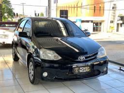 Toyota etios sedan xs 2013 completão