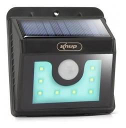 Luminária Solar 8 Leds Com Sensor De Presença Arandela 4w