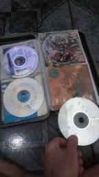 Vendo pasta com CDS de música todos originais.