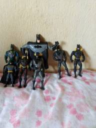Vendo nestes  bonecos do Batman