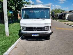 Mercedes bens 608