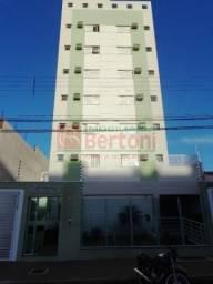Apartamento para alugar com 3 dormitórios em Centro, Arapongas cod:04866.001