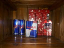 3 red label 1l, 1 absolut750ml, 4 redbull 355 e mais 4redbull de 473