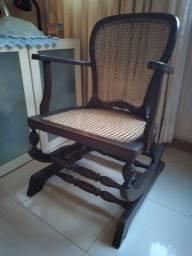 Cadeira de balanço.