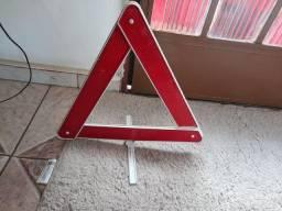 Triângulo  de sinalização  para carro