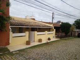 Casa linear em condomínio a venda no bairro das Palmeiras com 03 quartos sendo 01 suíte