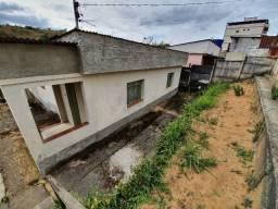 Casa a venda em Barbacena-MG