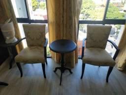 Cadeiras de alta qualidade.