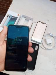 Smartphone Xiaomi MI A2 Lite com 4GB RAM