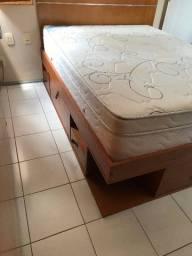 Cama casal usada em madeira pinus com vários compartimentos