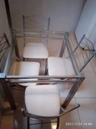 Mesa de vidro c/4 cadeiras