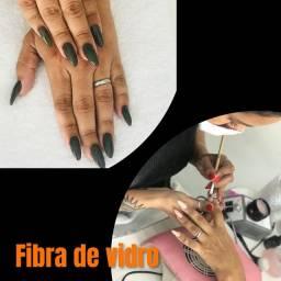 Precisamos de manicure com experiência em alongamentos de unhas em fibra e gel.