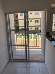 Alugo apartamento em condomínio fechado com segurança 24h.