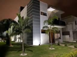 Casa Espetacular em Condomínio