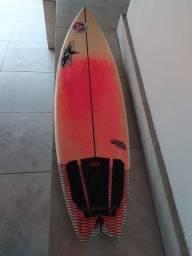 """Prancha de Surf AC Surf Boards 5'11""""."""