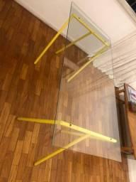 Mesa - 2 cavaletes e 1 tampo de vidro