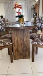 Mesa com 4 cadeiras! Seis meses de uso! MDF e vidro