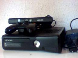 Xbox 360 travado kinect semi novo