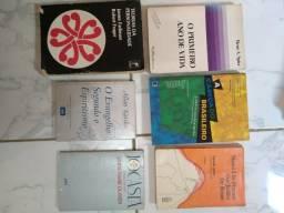 Livros de psicologia, romance, religião, literatura!