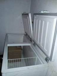 Freezer horizontal Fricon 500 litros semi novo