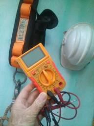 Eletricista. tecnico