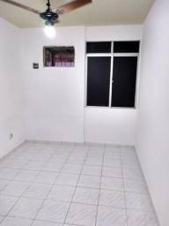 Apartamento Condomínio Verdes Mares - R$ 800,00 valor do condomínio já incluso