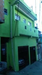 Vendo está casa 9 cômodos e 5 banheiro 2 varanda e uma lavanderia