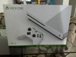 Xbox one S de 1 tb novo